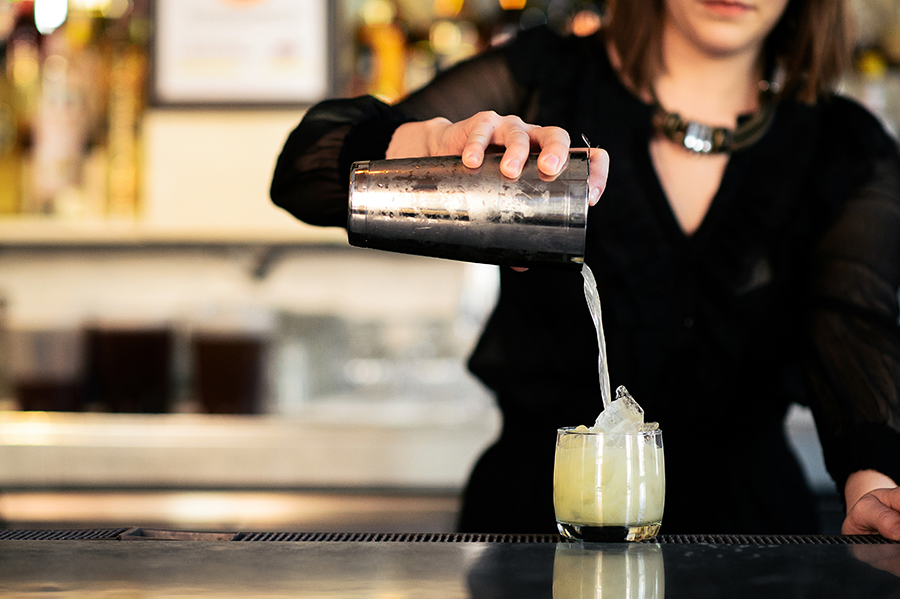 brooklynderby_julep_triple-threat_pour-1